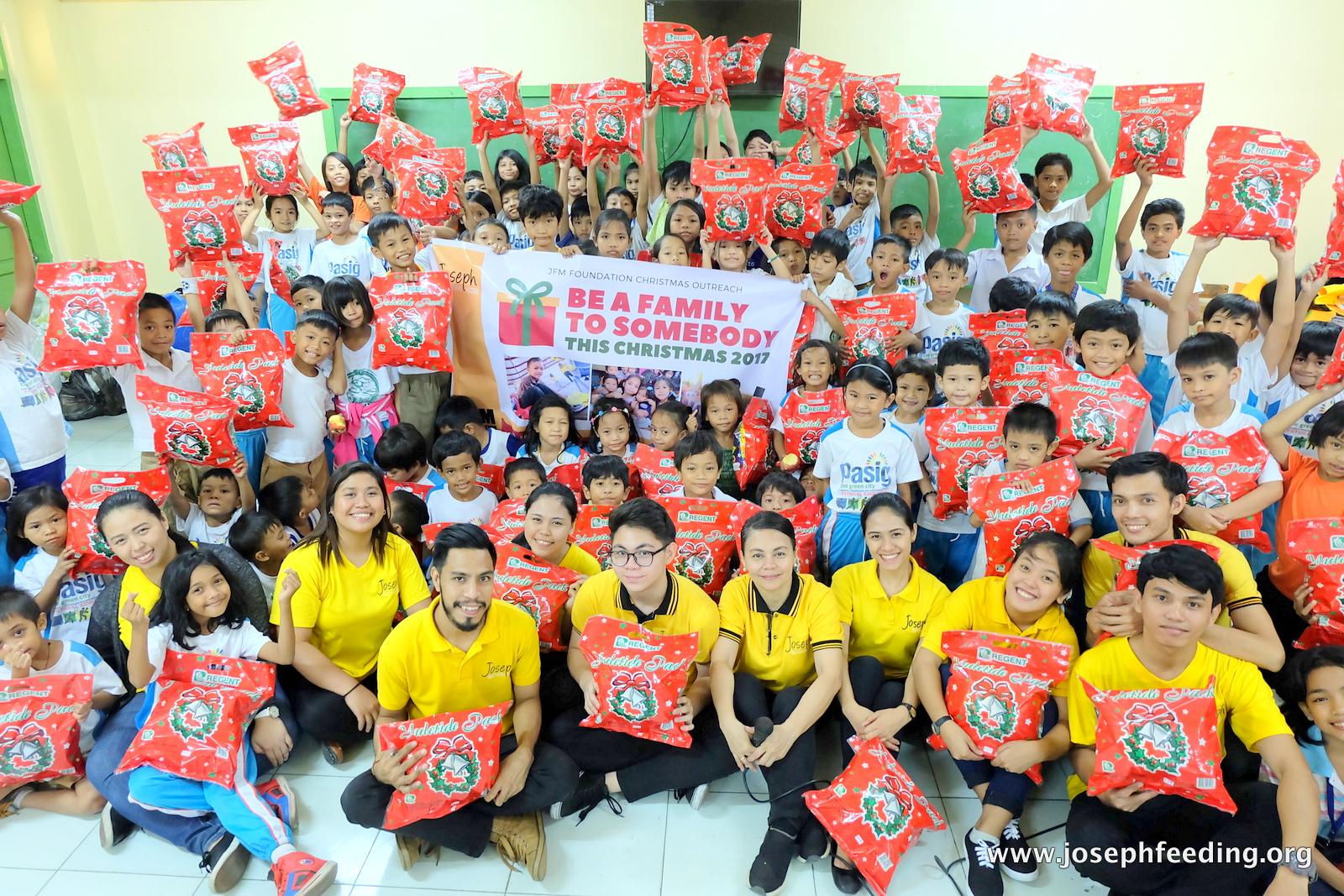 Gift-Giving Marathon: Palatiw Elementary School