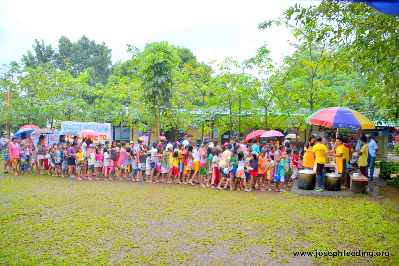 http://josephfeeding.org/disaster-relief/mayon-relief-outreach-taladong-evacuation-center/